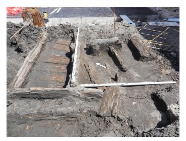 Торговые ряды. Деревянные конструкции, уцелевшие после пожара. Фото: resource.history.org.ua