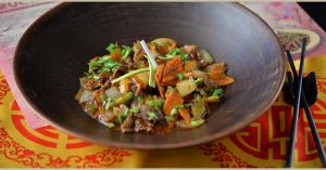 Китайская кухня в Bruce Lee: настойка из Скорпиона и жареное молоко на десерт