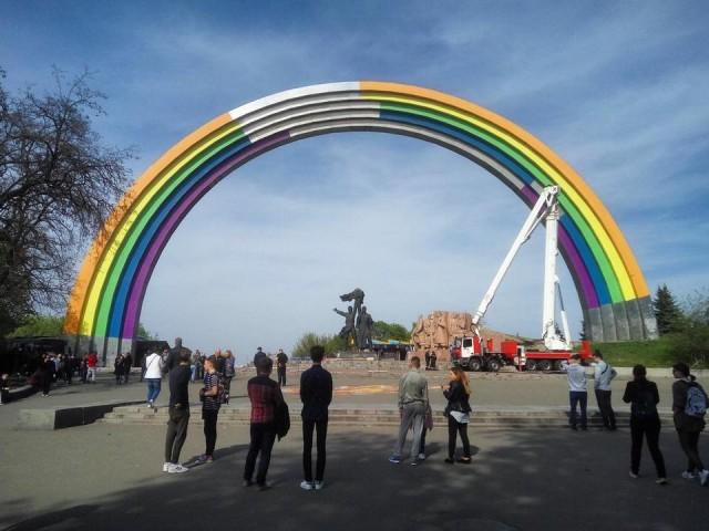 Так арка выглядела во время Евровидения. Фото: facebook.com/gennadiy.kurochka
