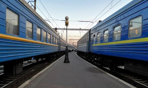 """""""Укрзализныця"""" не планирует уменьшать количество пассажирских поездов в Россию"""