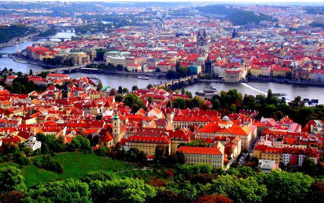 В Прагу за 8 евро: автобусный лоукостер FlixBus запустил маршруты из Украины