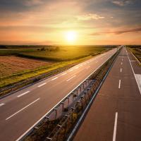 Стало известно, когда начнут строить платные дороги в Украине