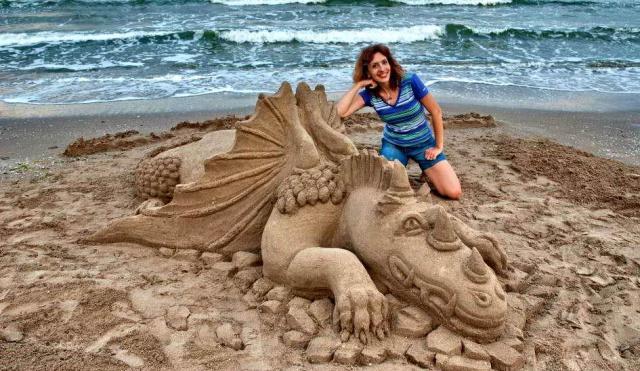 Одесситка создает шедевры из песка (ФОТО)