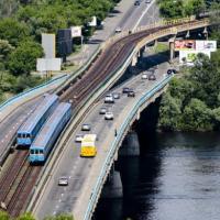 На одном из киевских мостов ограничат движение транспорта на неделю