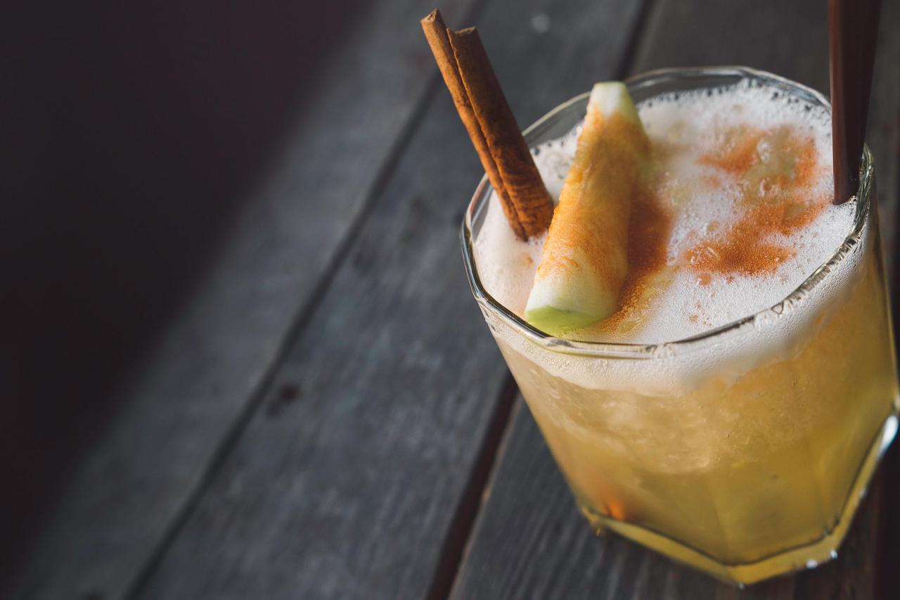 Парикмахерская и гараж: 8 необычных баров Киева, где стоит выпить