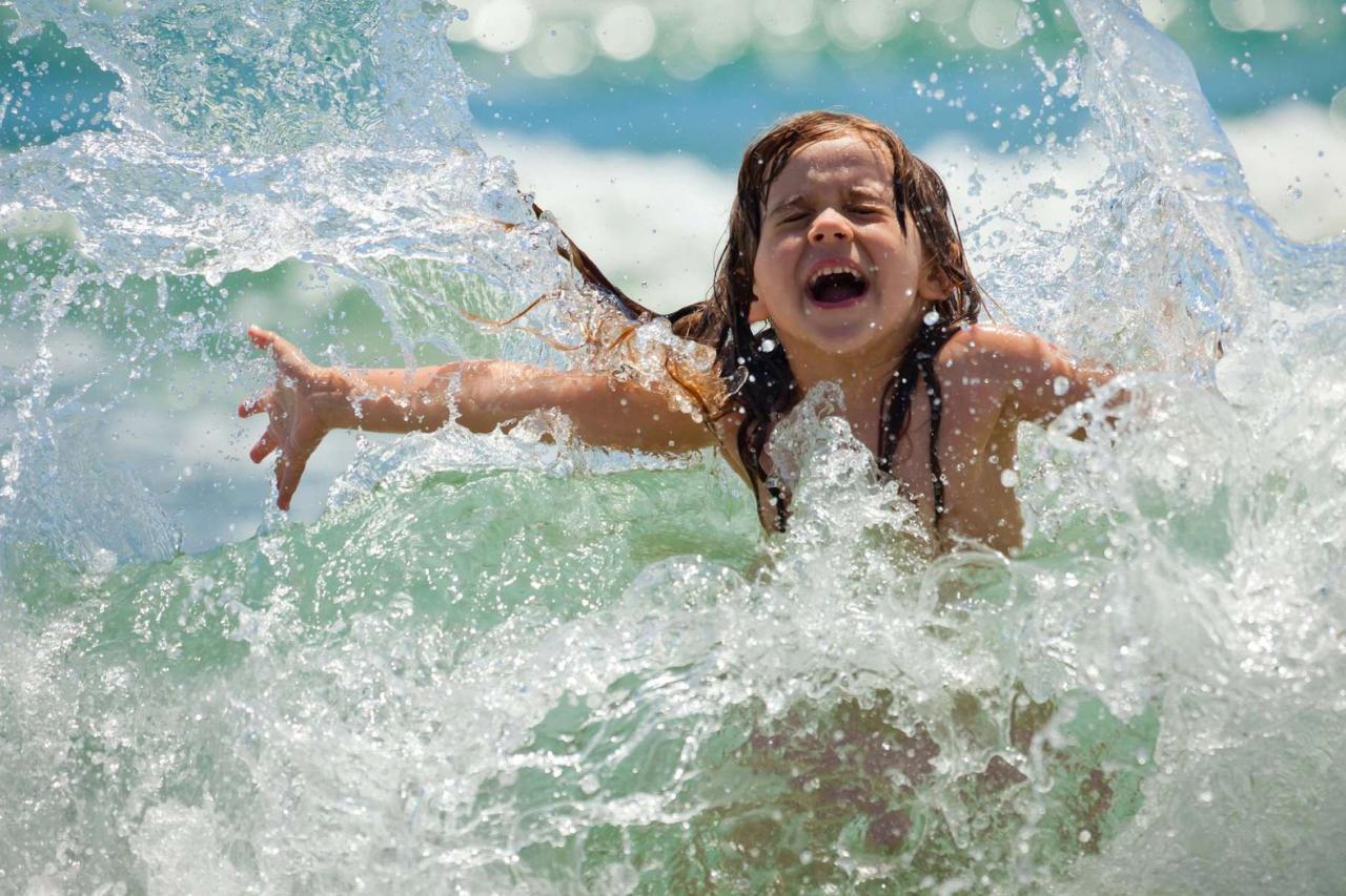 Стало известно, на каких киевских пляжах можно купаться