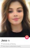 Профиль в Tinder с фотографией с фильтром