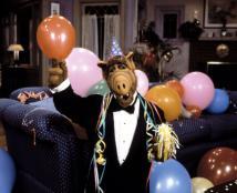 «Зачарованные», «Альф» и другие: 7 сериалов нашего детства, которые готовят к перезапуску
