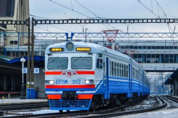 «Укрзализныця» полностью возобновит работу поездов на пригородных маршрутах