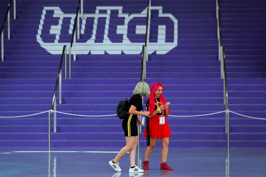Стримерам игр на Twitch грозит пожизненный блок за домогательства