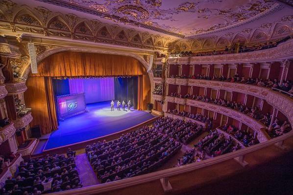 Театр Франко возобновляет свою работу и покажет премьеры