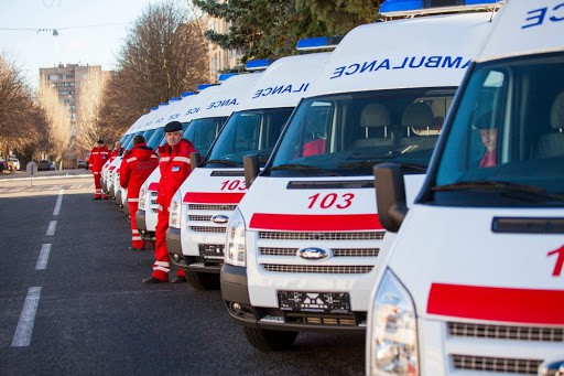 От водителя до врача: в МОЗ намерены повышать зарплаты всем сотрудникам «скорой помощи»