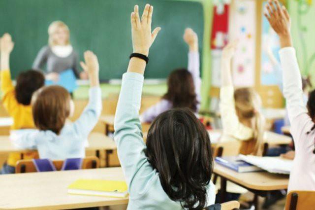 В Украине школы могут самостоятельно переносить каникулы из-за карантина