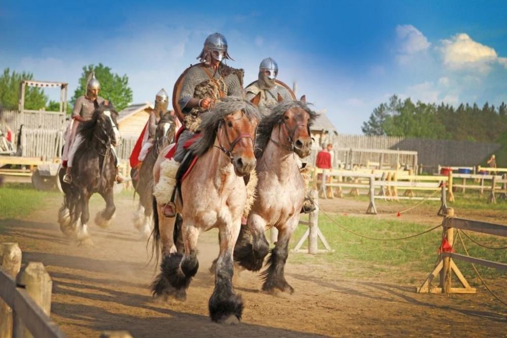 Жители и гости Киева могут понаблюдать за масштабными историческими конными баталиями