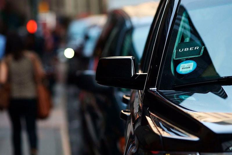 В Украине хотят обязать покупать патенты водителей такси Uber, Uklon и Bolt