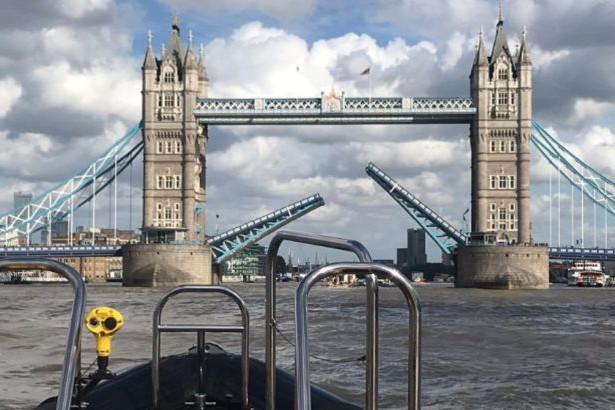 В Лондоне при разведении сломался знаменитый Тауэрский мост