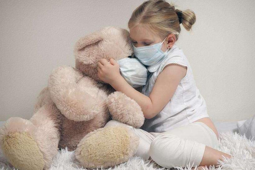 В преддверии 1 сентября в ВОЗ рассказали, нужно ли носить защитные маски детям