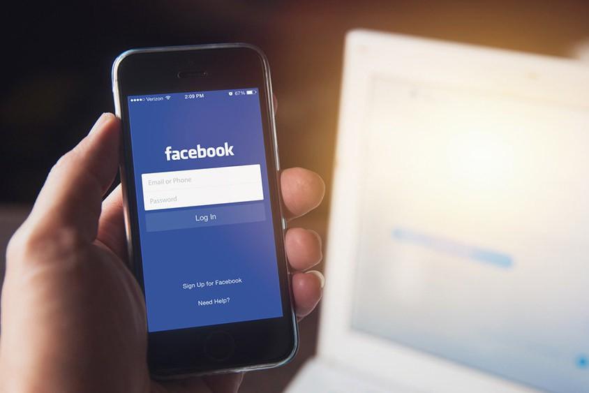 Безвозратно: с сентября Facebook переведет пользователей на новый дизайн