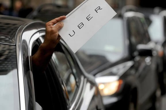 Скидки на топливо и обслуживание: Uber запустил в Украине программу вознаграждений для водителей