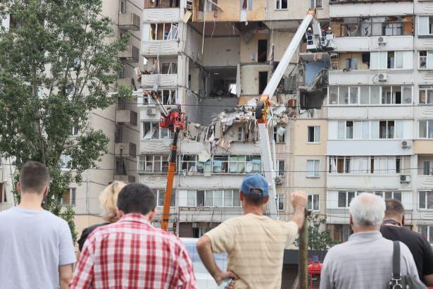 Пострадавшие жители дома на Позняках никак не могут заселиться в новое жилье
