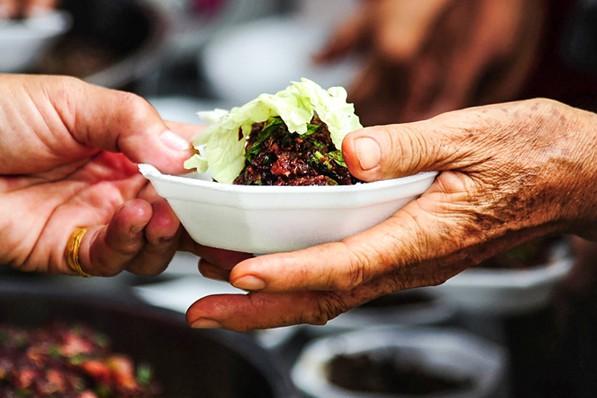 Фудшеринг: бесплатная еда или экологическое движение?