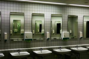 Главная комната: 10 туалетов в киевских ресторанах, откуда не уйти без селфи