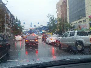Есть ответ: почему Киев замирает в пробках во время дождя