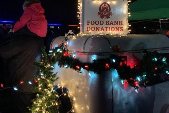 Рождественский поезд Canadian Pacific отправился в свой ежегодный тур, - ФОТО