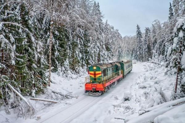 «Укрзализныця» запустит еще 2 скоростных поезда на праздники из столицы в Харьков и Днепр