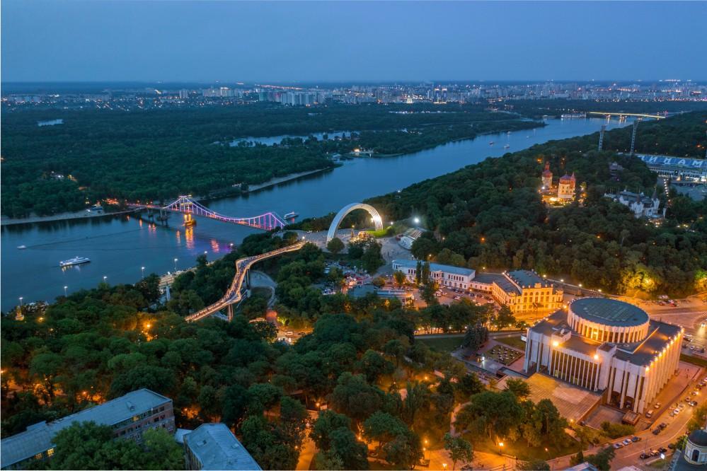 Лето, город, еда: 8 заведений, где можно посидеть на уютной террасе в Киеве