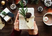 12 универсальных подарков под елку для любого бюджета