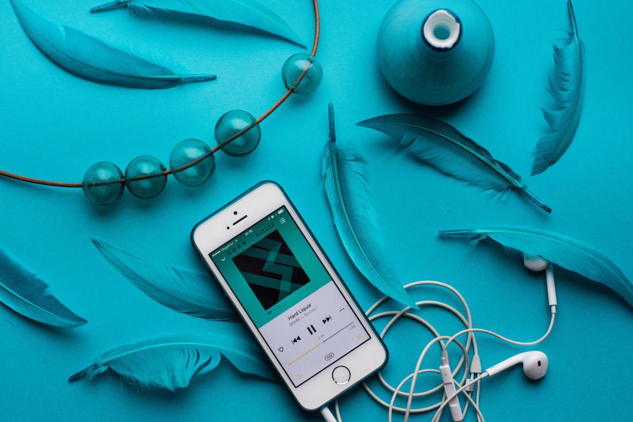 Плейлист сентября: лучшие новые альбомы, которые мы советуем послушать