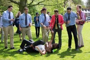 Остаться в живых: как посвящают в студенты в Украине и во всем мире