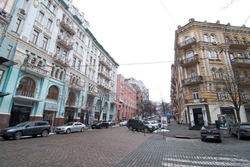 """Улица Городецкого: первая гардеробная, """"мебельный король"""" и самый высокий """"небоскреб"""" в стране"""