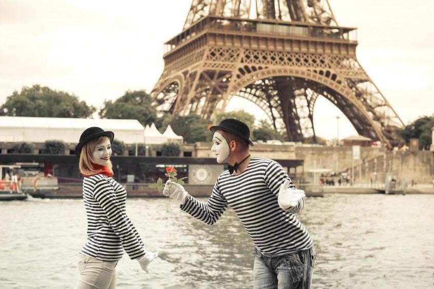 Не тот Париж. 10 мнений о самой противоречивой столице Европы