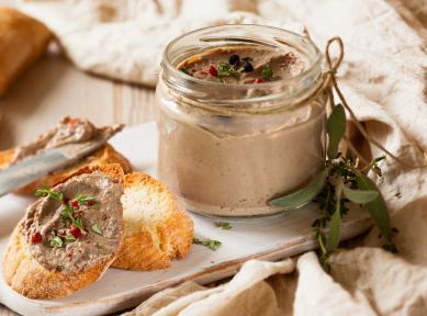 Из зайца, печени цесарки и с желе из мадеры. 9 ресторанов Киева где пробовать паштеты