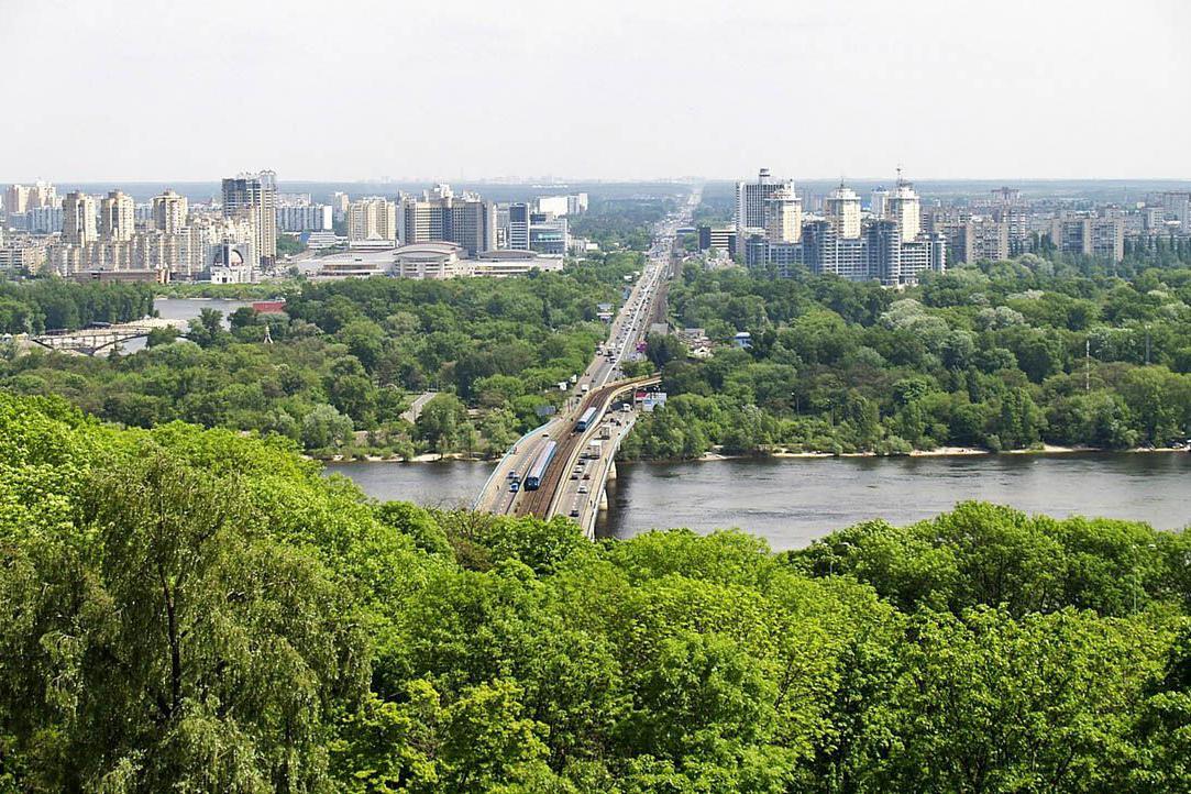 Мост, который соединит Владимирскую горку с Аркой дружбы народов откроют уже весной