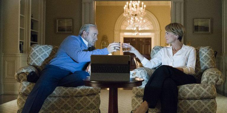 Netflix закрывает сериал «Карточный домик»