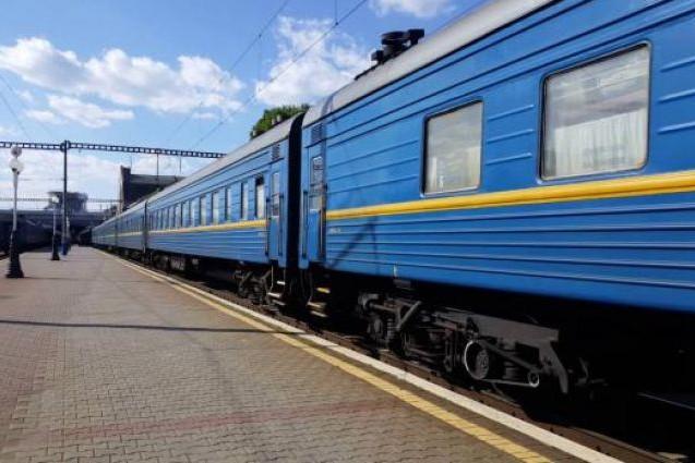 «Укрзализныця» назначила 8 новых поездов в популярных направлениях