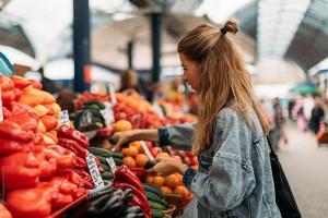 Вкусно и атмосферно: 5 лучших продуктовых рынков Киева