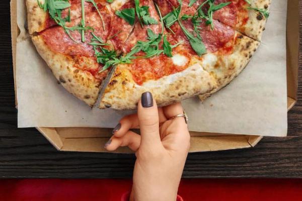 Пицца на киностудии, классика от Тарантино и кофе из турки! 8 достойных заведений Троещины