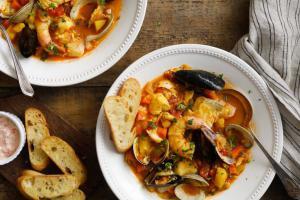 Буйабес - традиционный марсельский суп в заведениях Киева. 8 мест, где его аромат унесет в Прованс