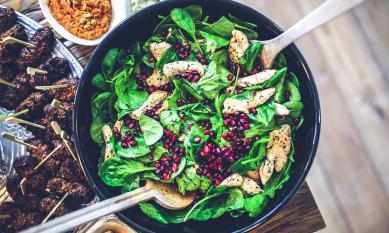 Не только хумус и фалафель: мировые тренды в еде, которые идут в Украину