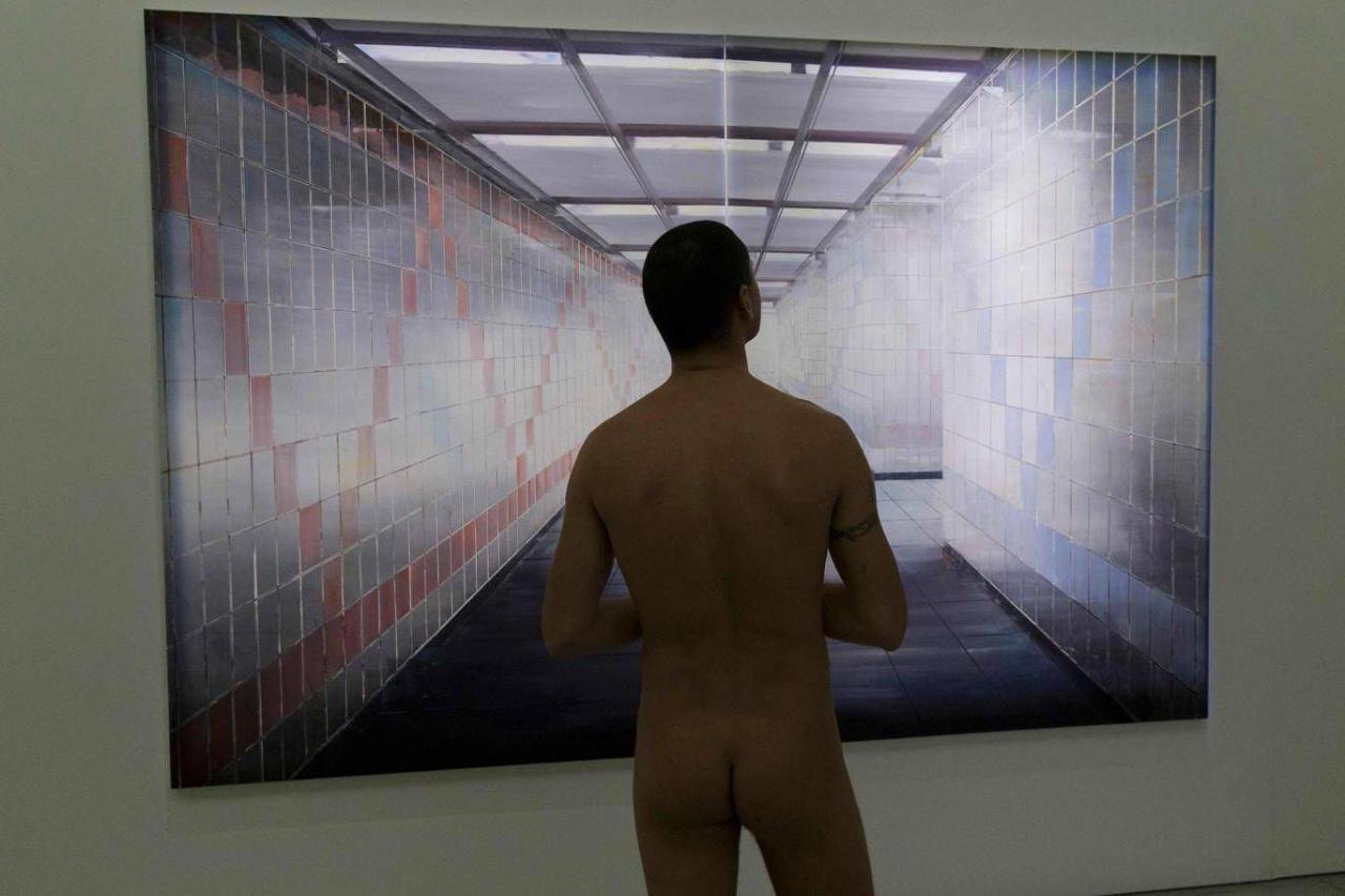 В парижский музей впервые в истории разрешили приходить голыми