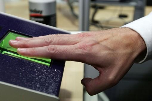 В Японии туристы смогут расплачиваться  по счетам с помощью отпечатков пальцев