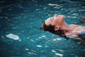Где почилить в Киеве? 8 летних бассейнов столицы