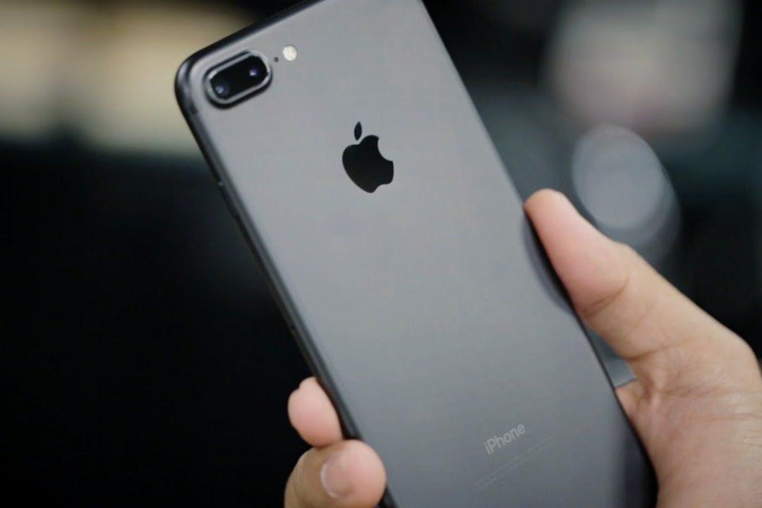 Семью на Буковине лишили субсидий из-за покупки гаджетов Apple
