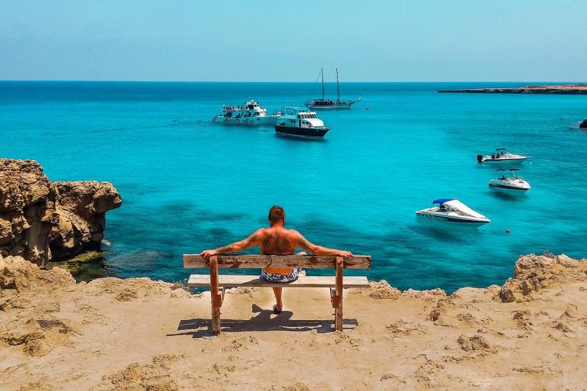 Зона риска: Кипр вводит новые условия въезда для украинских туристов