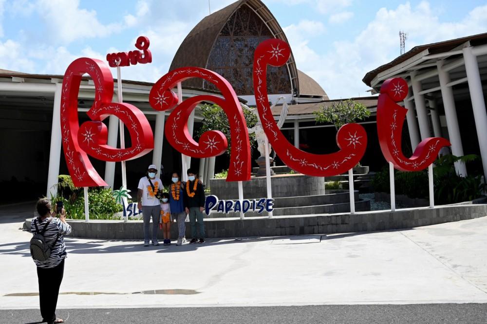Индонезийский остров Бали будет закрыт для иностранных туристов до конца года