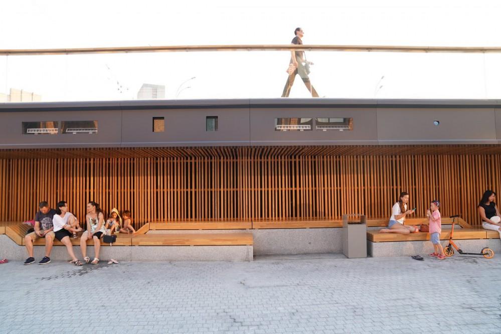 На Демеевской площади появилось новое общественное пространство. Фото